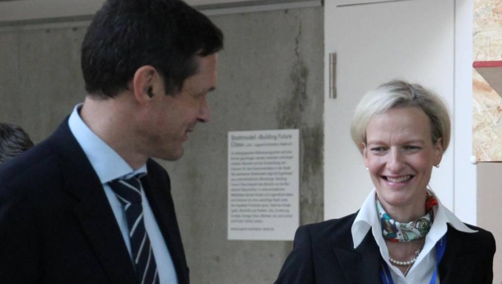 Dr. Peter Ptassek mit Isabelle Reusch (Schatzmeisterin der EU-Fundraising Association)