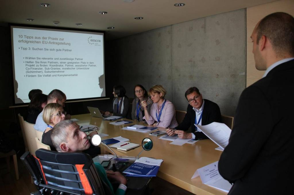 """Workshop mit Pierre-Étienne Métais von emcra zum Thema """"10 Tipps zur erfolgreichen Antragstellung"""""""